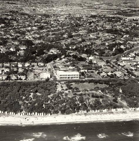 17 12 1950 Red Bluff Hotel Bathing Bo Sandringham
