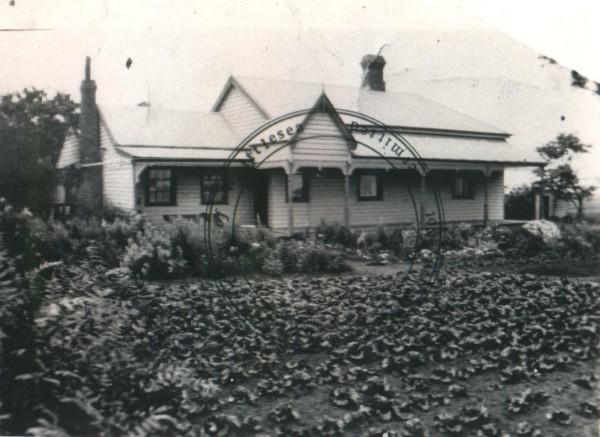 Mann's Farmhouse, Lalor